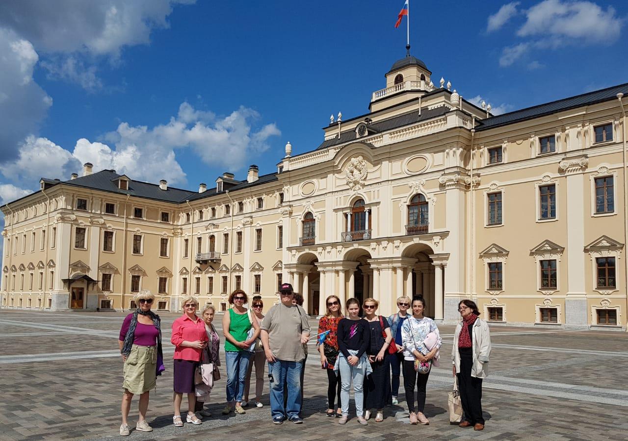 a23aa7537f02f ... бесплатных экскурсий по историческим местам Санкт-Петербурга и  Ленинградской области, которые каждый год организуют для них депутаты МО  Кронверкское.
